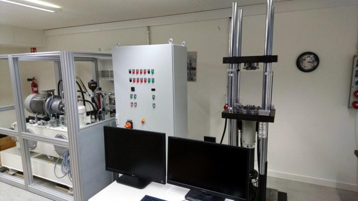 Dynamical fatigue testing system